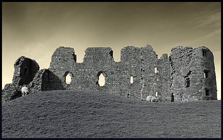 brough-castle-mono-forweb.jpg